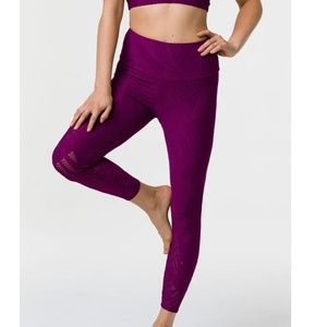 Onzie Selenite 7/8 Midi Legging Purple Size S/M
